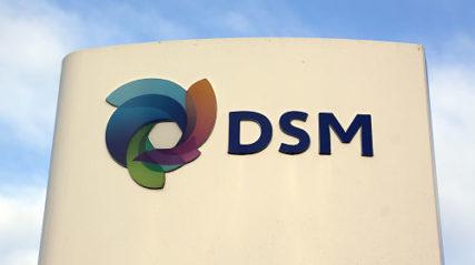 DSM begint voorzichtig te stralen
