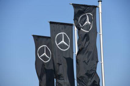 Daimler glijdt uit door winstwaarschuwing