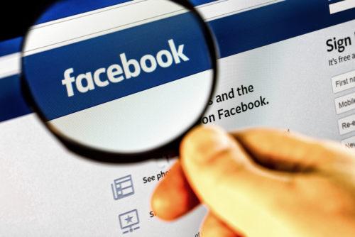 Facebook krijgt klappen