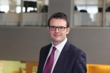 Daniel McFetrich (Schroders): 'Elektrificatie vliegtuigen voorlopig een droom'