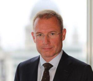 John Bowler, fund manager, global healthcare, bij Schroders. Hij zet de drie snelstgroeiende trends binnen de healthcare op een rij.