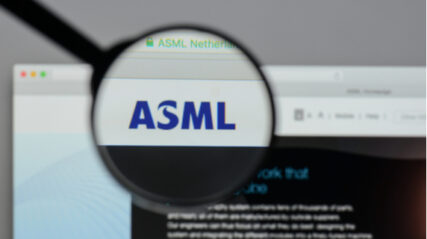 ASML staat op 57 keer de winst